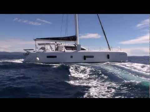 Addiction Outremer 5X Catamaran Motor 2012