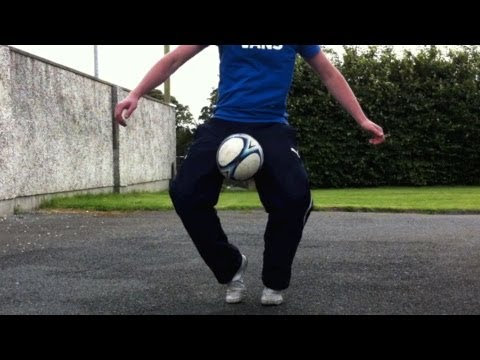 Knee Catch (Tutorial) :: Freestyle Football