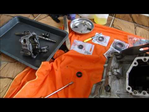 Troca do retentor do trambulador do Monza câmbio F16 / Serve para outros câmbios GM também
