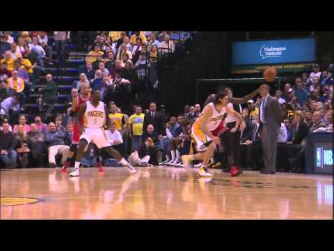 Luis Scola Steal & Coast to Coast Finish