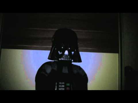 Darth Vader Noah grüsst seinen besten Freund
