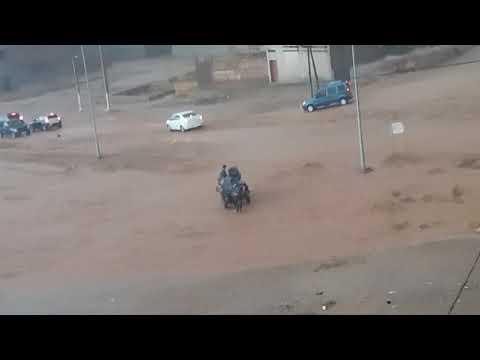 بالفيديو..فيضانات خطيرة تغمر هذه المنطقة المغربية!!