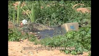 Esgoto corre a c�u aberto no Bairro Nazar�, em Contagem