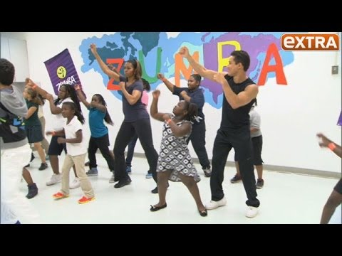 Michelle Obama and Mario Lopez Do the Zumba!