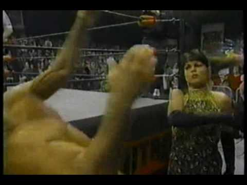 WCW Monday Nitro 1-22-96 Ric Flair vs Macho Man Randy Savage 1 of 2