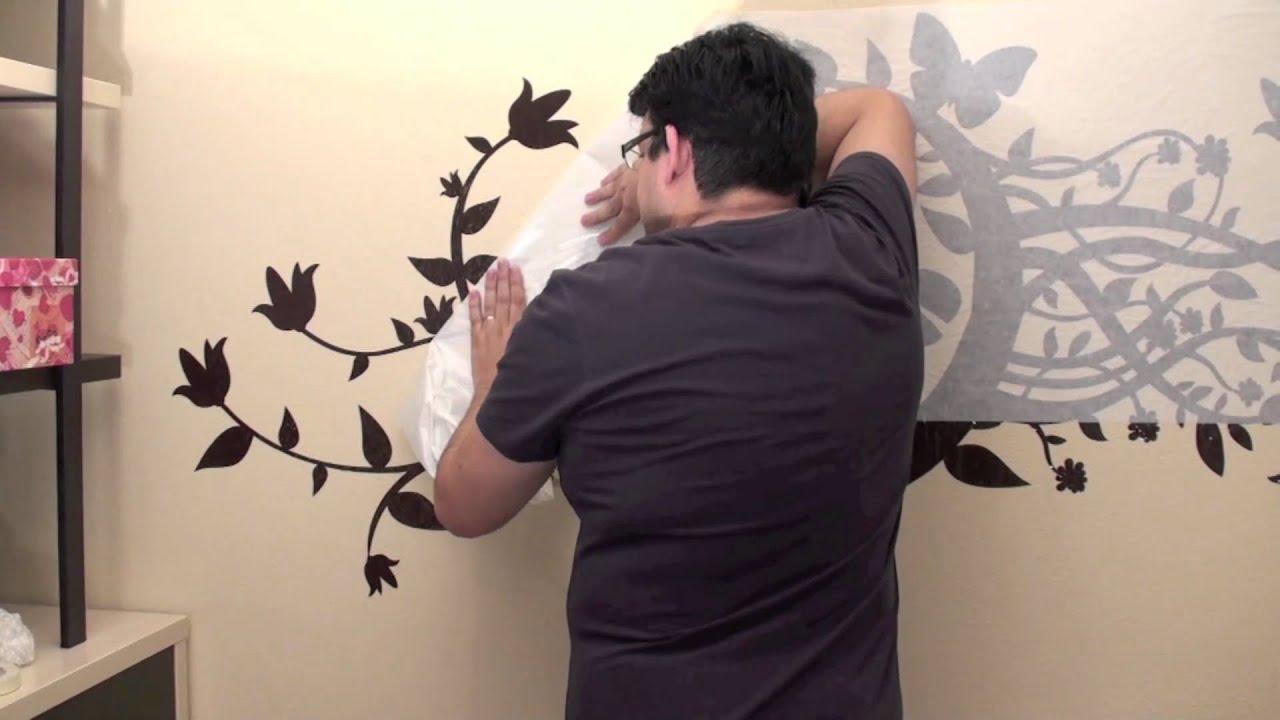 Colocaci n de vinilos sobre pared pintada con gotel youtube for Vinilos para gotele