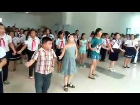 video mua O truong co day em the