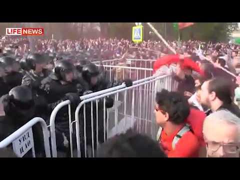 Protest înnăbușit violent la Moscova