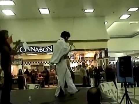 Longest non-stop Elvis impersonation