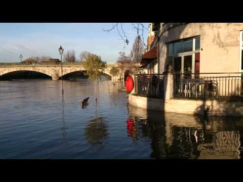 Staines floods threat to businesses on River Walk