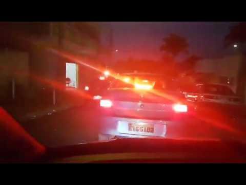 Vídeo Rua da Santa Felícia está sempre congestionada e vira martírio para os motoristas
