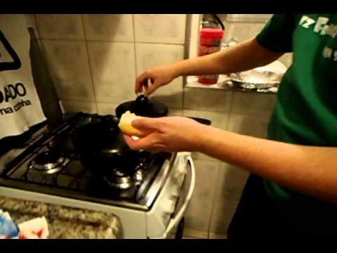 Creme de espinafre canoa ao forno - Frango ao molho gorgonzola