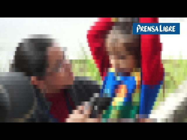 Familia huye de la violencia en Honduras