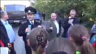 Au blocat drumul ca să păstreze școala Troița Nouă