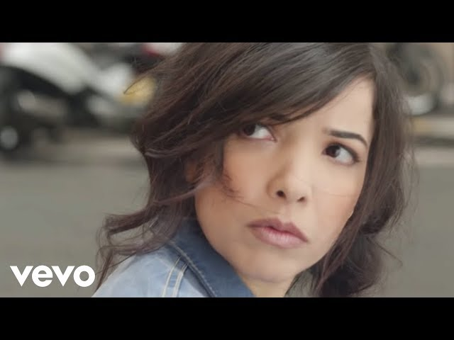 play video: Indila - Dernière Danse (Clip Officiel)