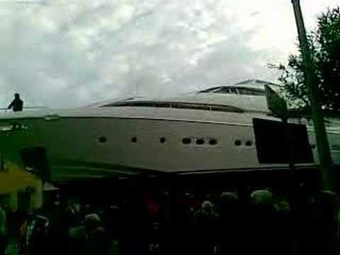 Trasporto mega yacht a Sabaudia Part IV