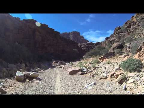 Hiking along the Havasupai Trail toward Hilltop.