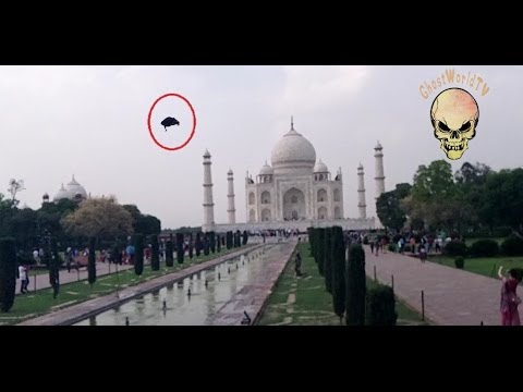 Ghost caught in TAJ MAHAL? Real ghost caught in front of TAJ MAHAL