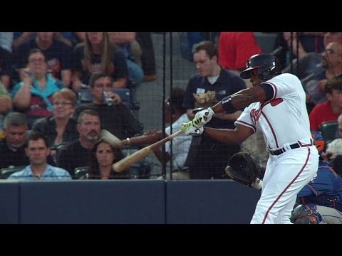 NYM@ATL: J. Upton puts Braves on the board with homer