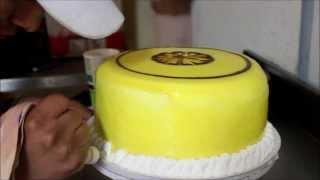 Modelo De Decoracion De Tortas Con Chantilly Y Jalea
