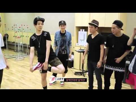 [ENG SUB] TEAM A & TEAM B PLAYING  CHICKEN FIGHT