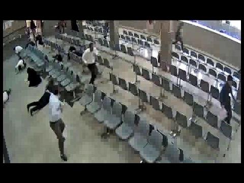 لحظة دخول عناصر داعش إلى البرلمان ...
