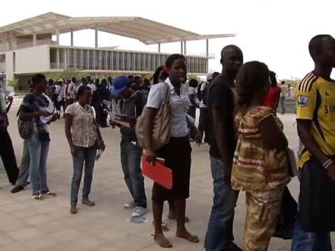 Especial Informação - Luanda - Campus Universitário Agostinho Neto (UAN) - pt 1/2