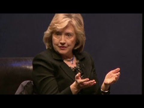 Hillary Clinton clarifies Putin-Hitler comments