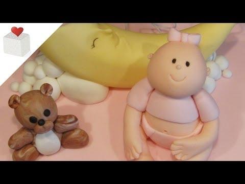 Tarta Bebé y Luna con figuras modeladas con fondant | Tartas de Fondant por Azúcar con Amor
