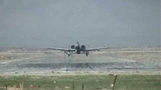FIGHTER JET EXTREME LOW PASS Must See