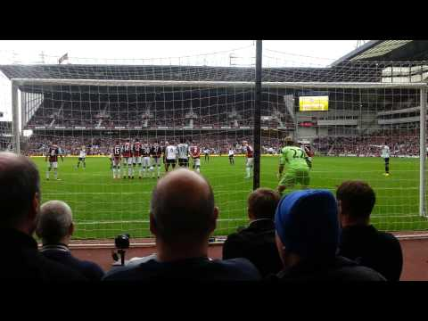 Leighton Baines 2nd freekick vs West Ham 2013