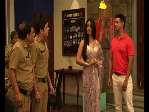 Sharman, Mahi Gill as ghosts in FIR - Bollywood Country Videos