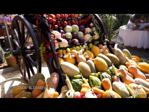 Uzbek fruit and vegetables. Bazaars in Uzbekistan. The gifts of the Uzbekistan nature.