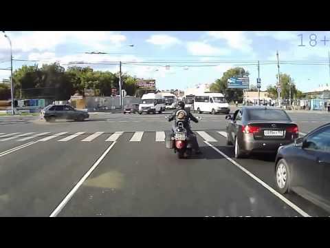 Η τρέλα στους Ρώσικους δρόμους συνεχίζεται [συλλογή βίντεο με τράκες]