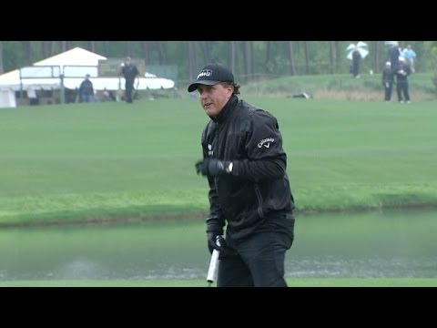 Phil Mickelson's second shot on No. 12 yields birdie at Shell