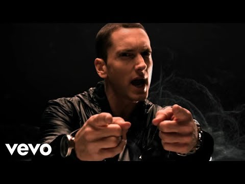Eminem - No Love (Explicit Version) ft. Lil Wayne, Music video by Eminem performing No Love. (C) 2010 Aftermath Records