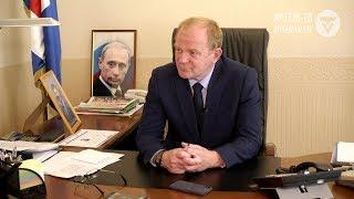 Информ-час  с  Александром Авдеевым
