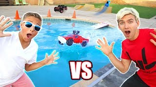RC CAR DRIVING ON THE WATER POOL JUMP CHALLENGE!!