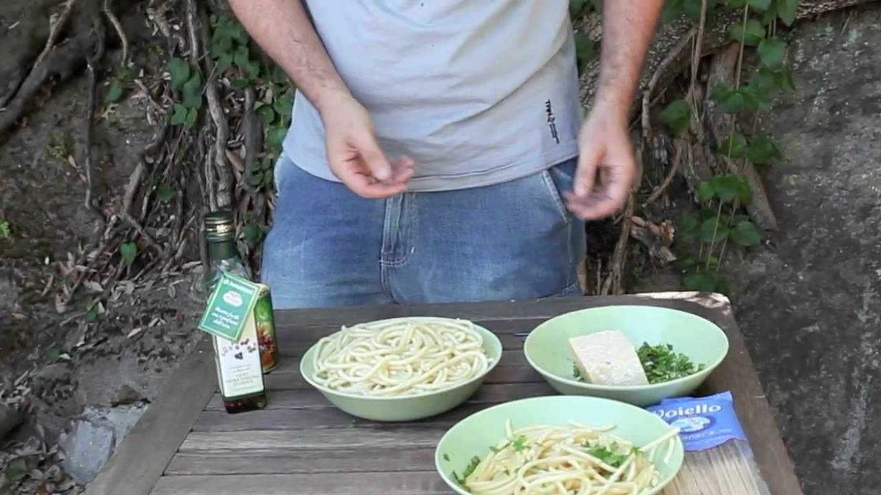 how to eat spaghetti youtube
