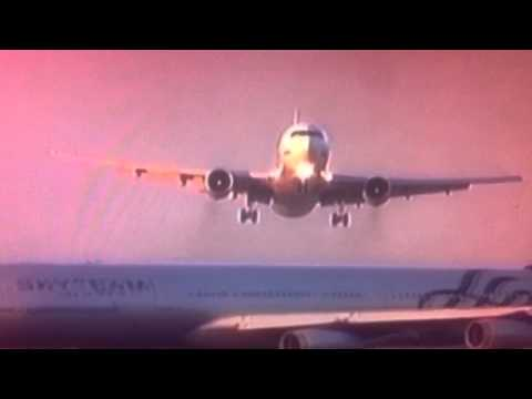 Two Air Planes Almost crash on runway 2014 BREAKING NEWS - 08 JULY 2014