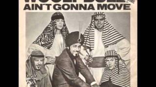 Wooly Bully – Sam the Sham and the Pharaohs