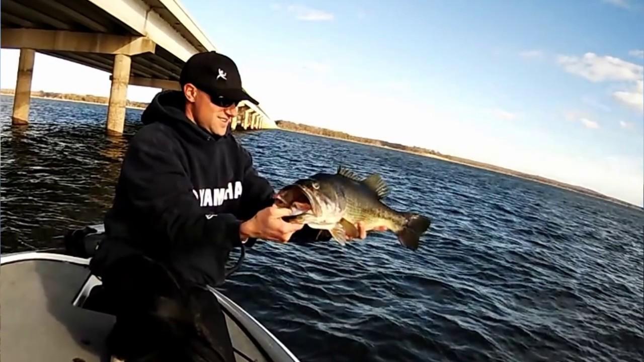 Bass fishing tackle tips crankbait bass fishing tips and for Salmon fishing tackle tips and techniques