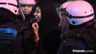 Bahrain Grand Prix 2012: protesters scuffle with police in Manama