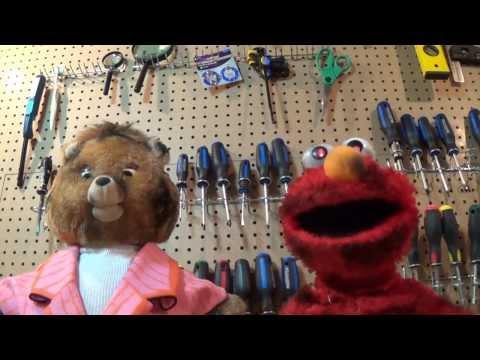 Thrift Shop Toys Perform 'thrift Shop'