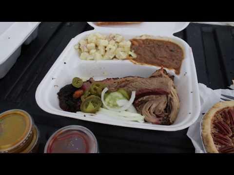 THE BEST BBQ IN PHOENIX | MARRIED LESBIAN  VLOG 1