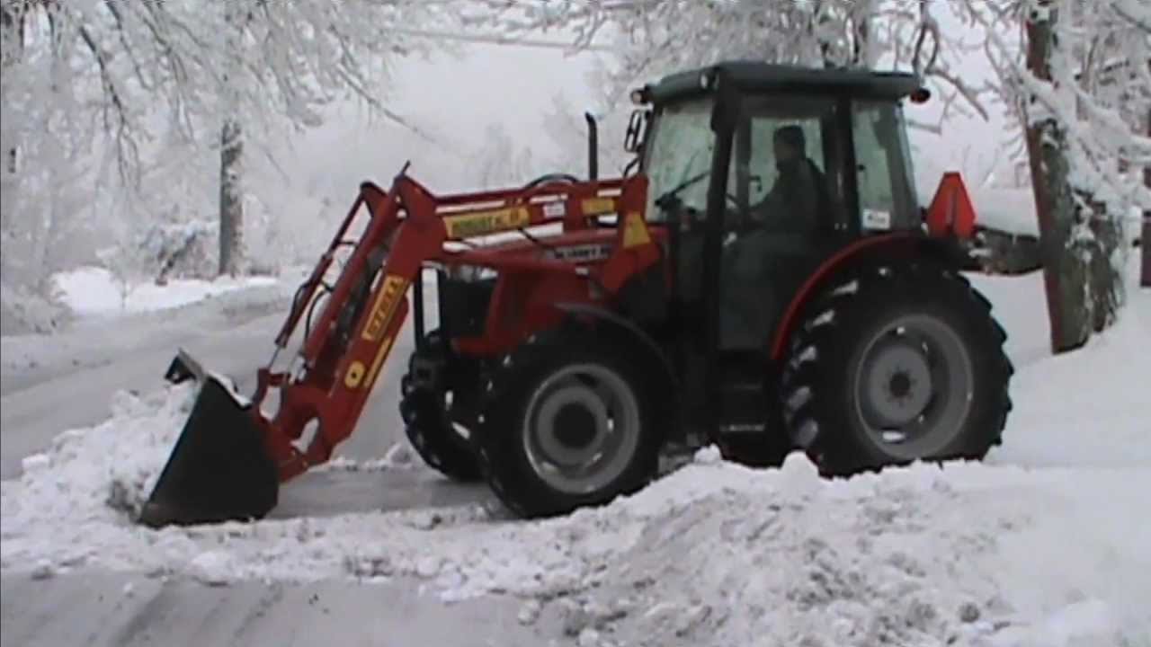 Odśnieżanie 2013. Dźwięk silnika- Massey Ferguson 3635 ...: http://www.youtube.com/watch?v=KhJ4CR5MGoE