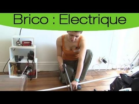 bricolage ranger facilement les fils lectriques youtube. Black Bedroom Furniture Sets. Home Design Ideas