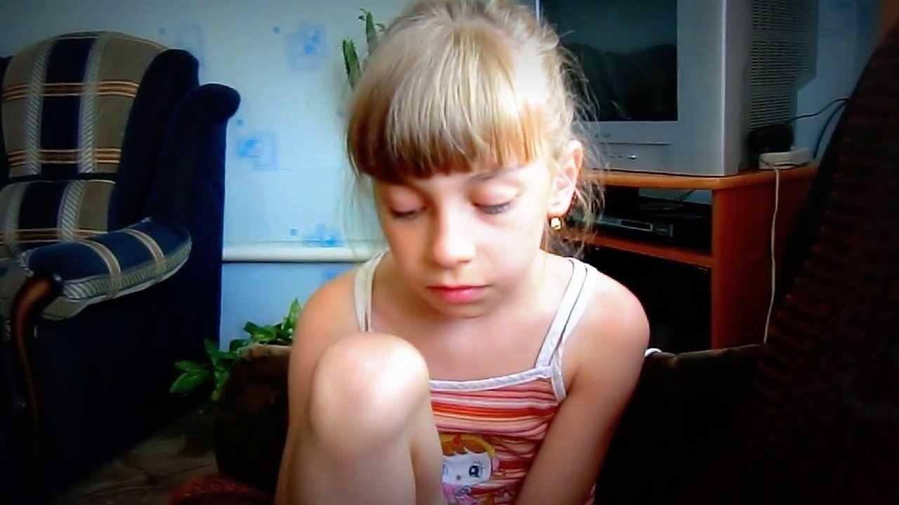 Девочка мастурбирует на вэб камеру