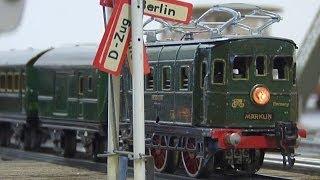 Alte Märklin Blecheisenbahn (Tinplate Train) in Spur 0