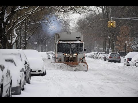 Winter storm pounds New England